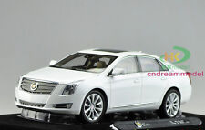 1/18 Cadillac XTS 2014 Die Cast Model White