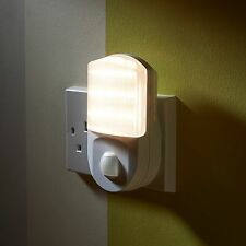 Shaver socket night light