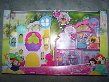 *Disney Princess Little Kingdom PLAY 'N CARRY CASTLE