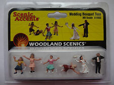 Woodland Scenics HO #1932   Wedding Bouquet Toss