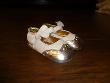 JUICY COUTURE BABY INFANT  3 IVORY GOLD SHOES