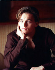 Leonardo DiCaprio UNSIGNED photo - E835 - SEXY!!!!!