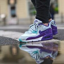 Nike Air Max  90 Wmn Sz 5  325213-036 Silver Wing/Court Purple/Hyper Grape