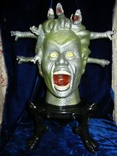ANIMATED LIFESIZE MEDUSA SEVERED HEAD HALLOWEEN DISPLAY PROP - MOVING SNAKES