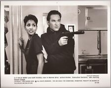 PF Executive Decision ( Kurt Russell , Halle Berry )