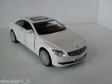 Mercedes Benz CL 550 blanco, Bburago Street Fire auto modelo 1:32