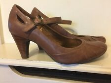Stylish Clarks Brown Leathers Heels shoes Size 5.5