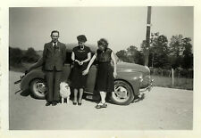 PHOTO ANCIENNE - VINTAGE SNAPSHOT - VOITURE RENAULT 4CV AUTOMOBILE - CAR DOG