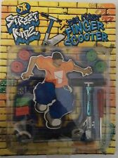 STREET KIDZ DIE CAST MINI FINGER WHIPS STUNT SCOOTER KIDS TOY GIFT