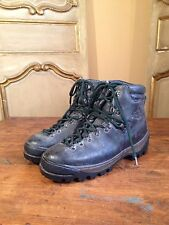 Vintage REI Mountaineering Climbing Hiking Mens Boots Size 10  Color Green