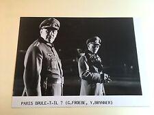 PARIS BRULE T'IL - Y. BRYNNER / G. FROEBE - PHOTO 13x18 CINEMA PRESSE