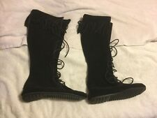 NEW WOMENS MINNETONKA LACE UP FRINGE BLACK SUEDE KNEE HIGH BOOTS SIZE 7 1429