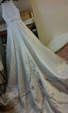wedding gown dress white lace sequence satin skirt petite bows NEW Size 4