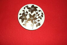 VTG REX FIFTH AVENUE COMPACT,WHITE ENAMEL WITH RAISED GOLD FLOWERS