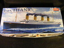 RMS Titanic 1/700 Scale Static Model from Academy Hobby Model Kits BRAND NEW!