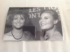 CLAUDIA CARDINALE et MICHÈLE MORGAN.    PHOTO ORIGINALE 12x9