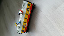Lego Train 12V Passenger Car / Sleeper 7815 in a good but used condition