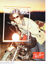 PUBLICITE ADVERTISING 066  2011  les lunettes solaires  Ray- Ban Never Hide