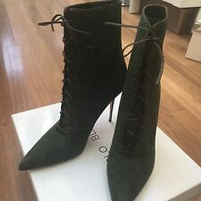 Manolo Blahnik Boots -New In Box-Handmade -Size EU 40 (39) Elegant And Beautifu