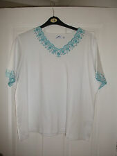 ladies turquoise trim top from Danmart size 22/24