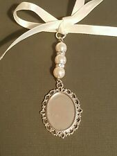 Mariage bouquet charme ovale argent médaillon pendentif 3 ivoire perles et sac cadeau