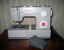 Singer 4423 Heavy Duty Zig-zag, Multi-Stitch Sewing Machine with Attachments