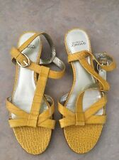 CIRCA JOAN & DAVID  Women's Mustard Yellow Leather T Strap Sandal 7.5