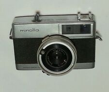 Vintage Minolta Autopak 700 Camera 1:2.8 f 38mm w/leather case !!!