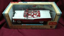 57 FORD Fairlane hard top convertible MINT 1:18