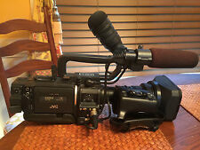 JVC GY-HD110U 3-CCD ProHD CAMCORDER w/ 16:1 FUJINON LENS 16x, Bag, batteries