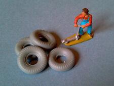 DINKY TOYS : Lot de 4 pneus 20/8 gris bande ronde pour Grue 20 Ton Lorry Réf 972
