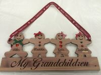 PERSONALISED WOODEN GINGERBREAD FAMILY CHILDREN PLAQUE CHRISTMAS XMAS DECORATION