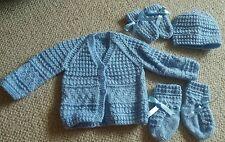 Lote: Nueva Chaqueta Tejida a Mano público Sombrero Mitones Botines Bebé Niño Conjunto 0-3m Azul