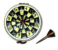 LIMOGES BOX ~ DARTS ~ DART BOARD & METAL DART ~ ENGLISH PUB GAMES ~ PEINT MAIN