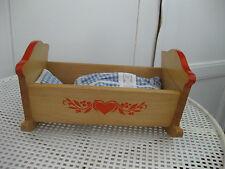 Puppenmöbel für Puppenhäuser von Haba, Bett / Schaukelbett mit Garnitur aus Holz