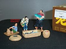 KING AND COUNTRY HK164M STREETS OF OLD HONG KONG CHINESE FISH SELLER FIGURE SET