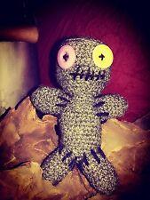 kleine Voodoo Puppe - auch als Nadelkissen verwendbar - echte Handarbeit - NEU!