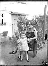 Portrait famille mère enfant jardin - négatif photo verre an. 20 negative glass