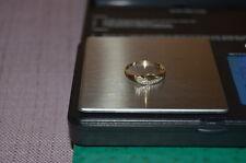 Ukrainische Gold Ring 585 Probe mit zwei kleine Diamanten  1,07 gr