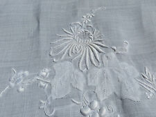 Vtg Madeira Sheer White Linen Tablecloth Grapes & Chrysanthemums 103X62 PERFECT