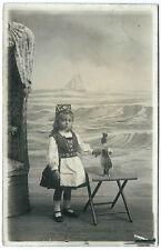 cpa photo petite fille et poupée Belgique Blankenberge Blanken Belgen 1910