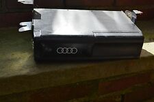 96 97 AUDI A4 A6 A8 CD CHANGER Delta radio
