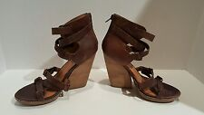 Gray Saks fith ave womens brown leather sandals size 38/7.5