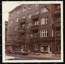 Farb-Foto-Berlin-Leibnizstraße 43-Charlottenburg-Gebäude-Architektur-Verkehr