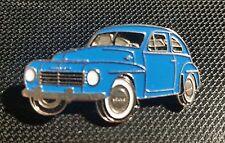 Volvo Pin Buckelvolvo blau lackiert PV444 PV544 - Maße 38x20mm