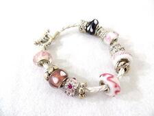 Armband aus Leder in Weiß Rosa Perlen Silberfarbene Perlen Knebelverschluß Top !
