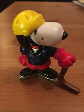 Snoopy Peanuts Rubber Olympic Ice Hockey Player Collectable Rare Vintage Classic