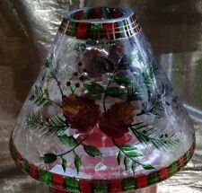 YaNKEE CaNDLE ChOICE LaRGE JaR+CrACKLE GLaSS ShADE ReD GrEEN PLaID PiNE CoNES