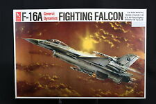 XF039 HOBBY CRAFT 1/48 maquette avion HC1561 US Air Force fighting falcon  F-16A
