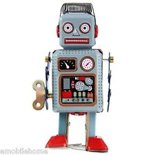 Vintage Mechanical Clockwork Wind Up Metal Walking Robot Kids Halloween Gift